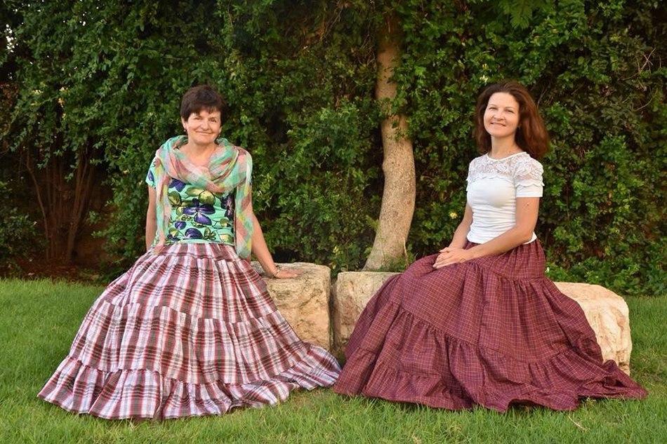 Мои прекрасные заказчицы - Татьяна и Ольга в моих юбочках
