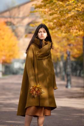 """Пальто болотно-зеленое. Коллекция """"Игра цвета"""" №10"""