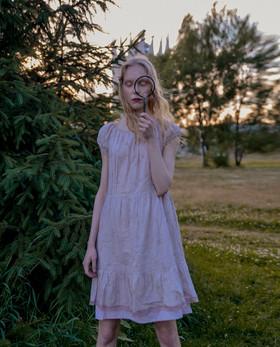 Нижнее платье пепельно-розовое из кружевнго шитья.